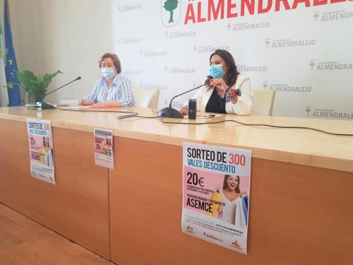 Ayuntamiento y Asemce sortean 300 cheques de 20 euros para gastar en los comercios adheridos
